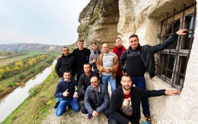 """Участники программы ресоциализации центра """"ADOMED"""" провели совместный досуг в Старом Орхей"""